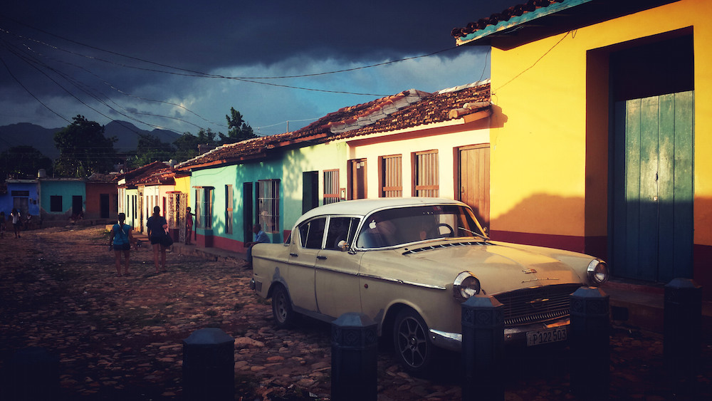 TRINIDAD | Ilia Etxebarria (Aramaio). Trinidad herriko kale bat ilunkaran. Cuba.