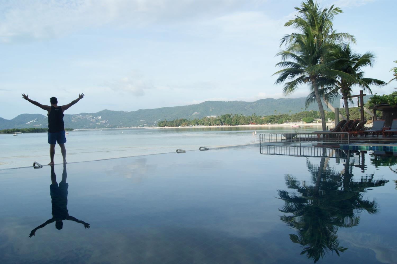 THAILANDIA - Mirian Campo.  Mikel Koh Samuiko paradisuari begira.
