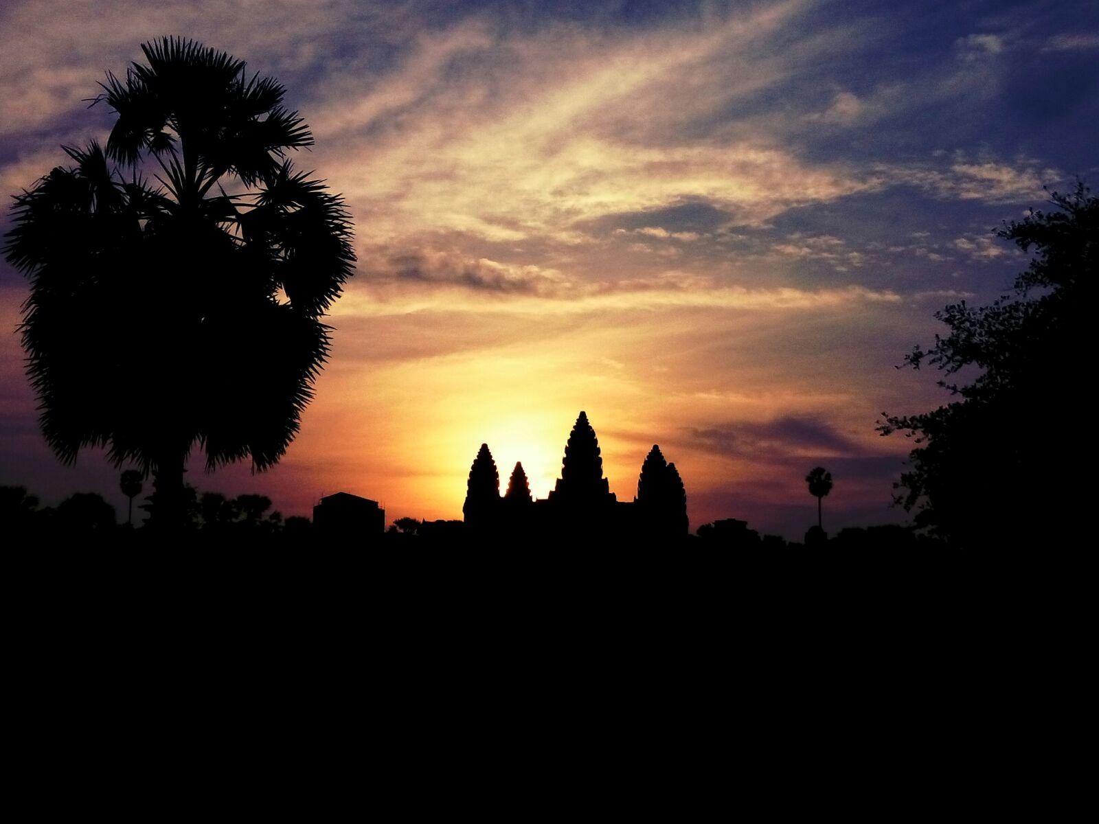 KANBODIA - Edurne Idigoras (Aretxabaleta). Egunsentia Angkorren.