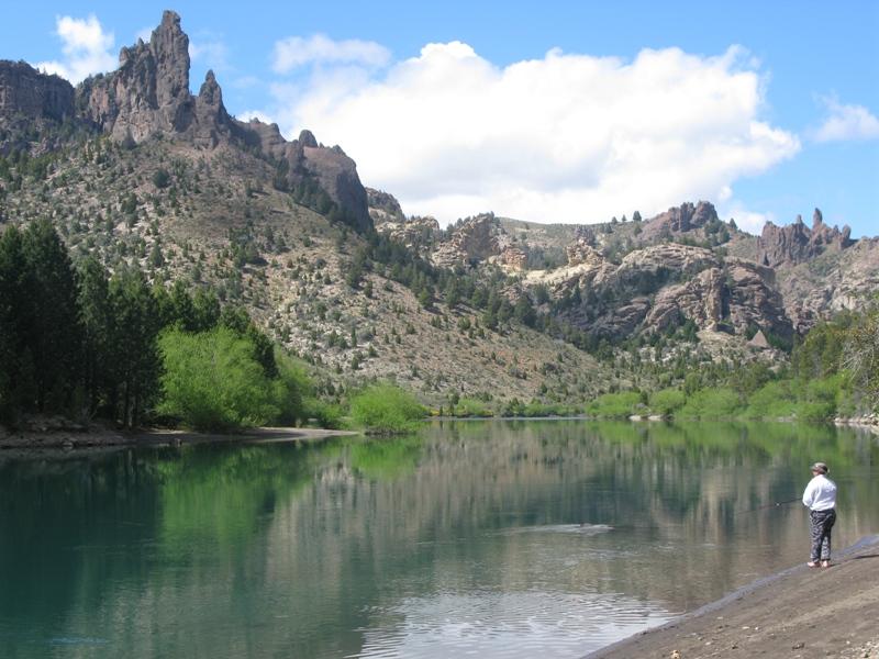 Lemay ibaiak sortutako ibar sorgindua (Valle Encantado)